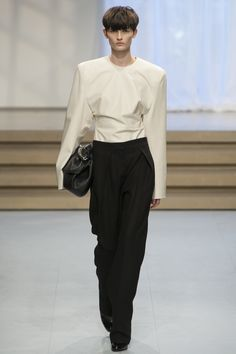 http://www.vogue.com/fashion-shows/spring-2017-ready-to-wear/jil-sander/slideshow/collection
