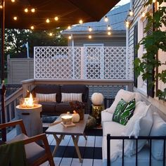 70 modern deck patio ideas for backyard design and decoration ideas 15 Apartment Balcony Decorating, Apartment Bedroom Decor, Apartment Balconies, Balcony Design, Patio Design, Tiny Balcony, Balcony Ideas, Garden Design, Balcony Flowers