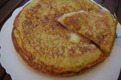 K α τ α π λ η κ τ ι κ ή Ισπανική ο με λ έ τ α !!! Δοκιμάστε την με λίγα υλικά λίγο τυρί και λίγο ζαμπόν χορταστικό γεύμα !!    Υλικά μερίδες 4    5 Tasty Videos, Egg Dish, Omelet, Cooking Time, Starters, Food To Make, French Toast, Recipies, Food And Drink