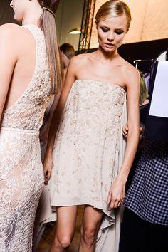 vestidos cortos de la temporada primavera-verano 2013 para el día de tu boda: backstage de Elie Saab