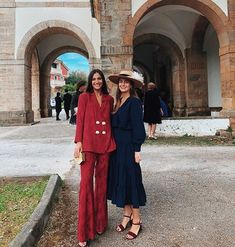 Fashion 101, Fashion Outfits, Wedding Guest Looks, Quoi Porter, Preppy Look, Elegant Outfit, Holiday Fashion, Modest Fashion, Day Dresses