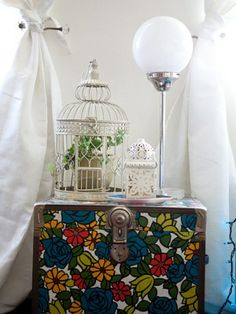 Cute vintage trunk  Blogger Liz Cherkasova's Apartment | TeenVogue.com