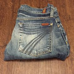 7 for All Mankind Dojo Jeans Excellent condition Dojo cropped denim. Inseam is 20 inches. Waist laying flat is 15 inches. Same day or next day shipping. No trades and no holds. 20% off of bundles. 7 for all Mankind Jeans Ankle & Cropped