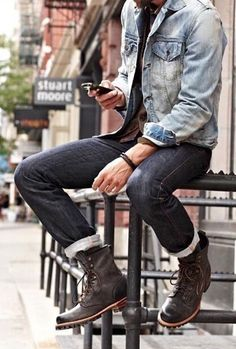 Men's fall street style | denim jacket, black boots