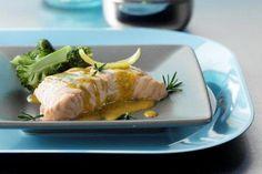 Σολομός στον ατμό με σάλτσα μουστάρδας - Συνταγές | γαστρονόμος Fish Recipes, Recipies, Seafood, Clean Eating, Pork, Turkey, Cooking Recipes, Chicken, Meat
