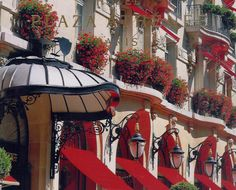 Hotel Plaza Athenee, Paris