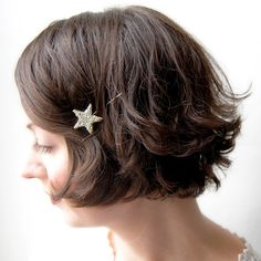 pretty hair and pin! Via GiantDwarf on Etsy