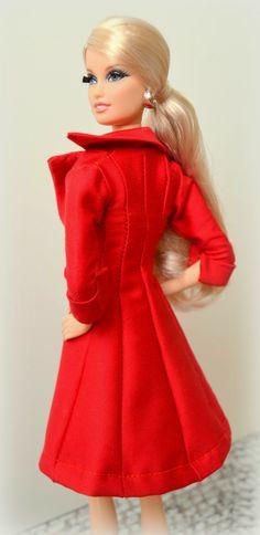 "Barbie Look City Shopper ""Lara"". Patrón abrigo rojo."