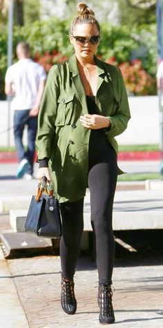 Helping them pick out some items: Kim and Kanye were shopping with pals Chrissy Teigen and John Legend Kim Kardashian Kanye West, Kim And Kanye, John Legend, Bump Style, Her Style, Maternity Fashion, Maternity Style, Maternity Outfits, Pregnancy Style