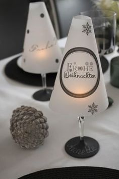 DIY table lamp from a wine glass for the Christmas table - DIY - Weihnachten - gatte Outdoor Christmas, Christmas Crafts, Christmas Decorations, Xmas, Christmas Christmas, Christmas Ornaments, Diy 2019, Deco Table Noel, Diy Hanging Shelves