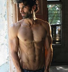 handsome_indian_men - The Indian Man 🇮🇳 All Movies, Movies Online, Indian Bodybuilder, Handsome Indian Men, Hits Movie, Indian Man, Movie Releases, Movie List, New Instagram
