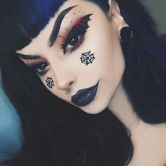 Looking for for ideas for your Halloween make-up? Browse around this website for cute Halloween makeup looks. Bat Makeup, Gothic Makeup, Costume Makeup, Eyeshadow Makeup, Makeup Art, Fairy Makeup, Crazy Makeup, Fantasy Makeup, Creepy Halloween Makeup