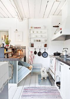 love this kitchen for my beach house ; Decor, Home Decor Kitchen, Scandinavian Home, Kitchen Decor, Freestanding Kitchen, Home Decor, Home Kitchens, Rustic Kitchen, Eclectic Furniture