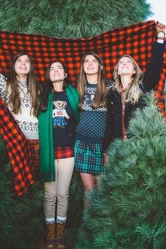 Classy Girls Wear Pearls: O Christmas Tree