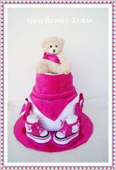 Windeltorte Kitty Dreieckstuch rosa Windeltorte von Geschenke-Eckle auf DaWanda.com