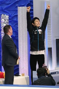 羽生結弦(日本)NHK杯・第2日(男女・ペアFS、アイスダンスSD)
