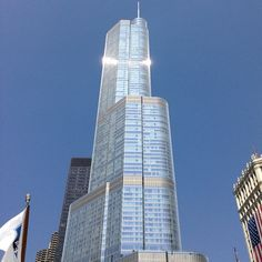 Photo by maureinmobiliaria #arquitectura #chicago #trumptower