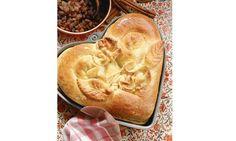 Herzreinkele/Reindling (cinnamon-raisin bread)