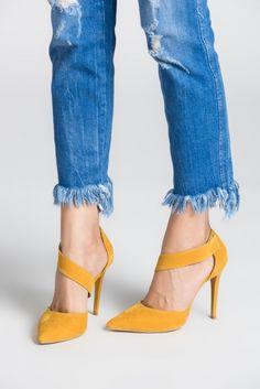 Sarı Süet Topuklu Ayakkabı 4625