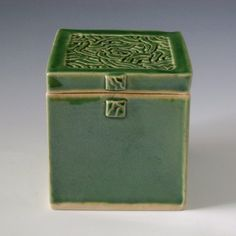 cute box Ceramic Pottery, Ceramic Art, Slab Boxes, Clay Box, Ceramic Boxes, Hand Built Pottery, Clay Projects, Sally, Boxing