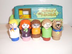 Scooby-Doo Fisher Price Little People: Fred, Daphne, Velma, Shaggy, Scooby-Doo (and the Mystery Machine!)