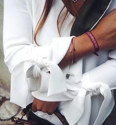En matière de look, le moindre détail a son importance (blouse Isabel Marant - instagram Ines Arroyo)