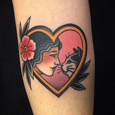 BrunaBYonashiro tatuagem-tattoo neotradicional old-school Dog Tattoos, Animal Tattoos, Body Art Tattoos, Girl Tattoos, Sleeve Tattoos, Tatoos, Hand Tattoos, Tatuagem New School, Tatuaje Old School