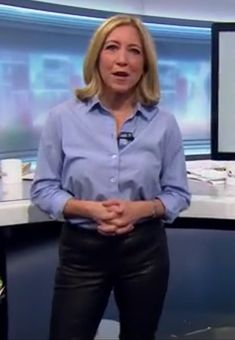 Joanna Gosling in leather trousers Leather Trousers, Leather Skirt, Tv Presenters, Sexy Older Women, Black Faux Leather, Powerful Women, Her Style, Work Wear, Celebrities