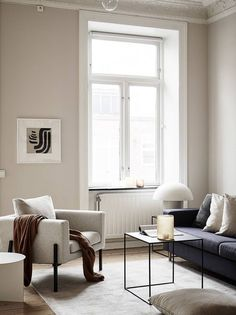 Living room inspiration - Beige minimalism in a turn of the century home – Living room inspiration Living Room Interior, Living Room Furniture, Living Room Decor, Rustic Furniture, Antique Furniture, Modern Furniture, Dining Room, Living Area, Modern Interior