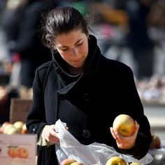 """Healthy Eating Linked to Lower Likelihood of Depression - U.S. adults who report eating healthy all day """"yesterday"""" are 34.1% less likely to currently have depression than those who say they did not eat healthy. http://ift.tt/2qssAzc"""