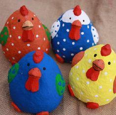 4 x Dickes Buntes Huhn Keramik