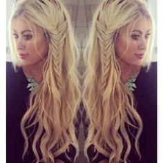 Love her hair! Beach waves with a side braid…boho hairstyle women's long hair loose waves Love her hair! Beach waves with a side braid…boho hairstyle women's long hair loose waves Cute Everyday Hairstyles, Loose Hairstyles, Pretty Hairstyles, Braid Hairstyles, Wedding Hairstyles, Summer Hairstyles, Daily Hairstyles, Evening Hairstyles, Teenage Hairstyles