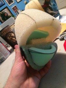 (good pix/no instructions/like dog puppet) head making tricks by jameskemppuppets.com
