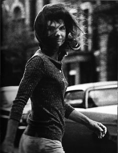 one of my faveorite photos of Jackie >> Jacqueline Kennedy Onassis photographed by Ron Galella.  New York City, 1971.