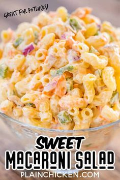 Sweet Macaroni Salad - seriously THE BEST macaroni salad EVER! I took this to a potluck and it was the first thing gone. Everyone asked fo. Sweet Pasta Salads, Pasta Salad Recipes, Pasta Dishes, Food Dishes, Side Dishes, Best Macaroni Salad, Amish Macaroni Salad, Sweet Macaroni Salad Recipe, Hawaiian Macaroni Salad