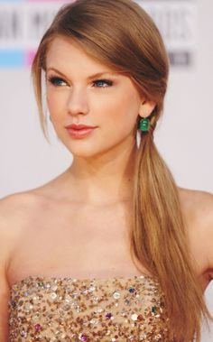 Taylor Swift ♥...very beautiful:-)