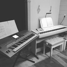 Oefenen voor repetitie met de band morgenavond #yamaha #music #yamahadgx650 #yamahapsrs710 #ipad #youtube #sheetmusic #band #chords by lauradriessenx