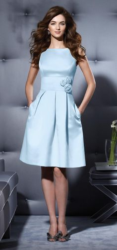Celestial blue short bridesmaid dress with a vintage touch. Cute!