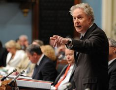 """Des élections en septembre...  http://www.journaldequebec.com/2012/06/29/lete-sera-court    La surprise serait que Jean Charest démissionne et que le choix du nouveau chef libéral retarde les élections à la limite de 18 mois en 2013. C'est ce qui s'appellerait """"coiffer"""" les adversaires.    http://www.lapresse.ca/actualites/quebec-canada/politique-quebecoise/201206/30/01-4539695-pierre-duchesne-candidat-pour-le-pq.php?utm_categorieinterne=trafficdrivers_contenuinterne=cyberpresse_BO"""