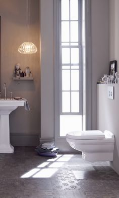 Sometimes just a chic new Geberit toilet system can give the bathroom a much-needed makeover