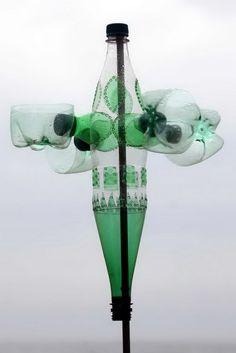 Plastic bottle sculpture.  Gloucestershire Resource Centre http://www.grcltd.org/scrapstore/