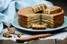 Kue Lapis Legit, indonesischer Schichtkuchen, Indonesien, Kochen, Rezepte, Süßspeisen, vegetarische, Speisen, Essen, Zutaten, Küche, www.wo-der-pfeffer-waechst.de