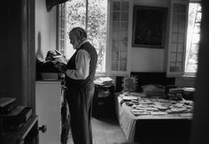 """The Hemingway app: can it help make your writing """"bold and clear""""? Via NYTimes"""