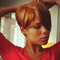 Best way to sport pixie cut without loosing all the length is called long pixie haircut! So we have collected Chic Long Pixie Haircut Pictures for you to get. Cute Hairstyles For Short Hair, Short Hair Cuts, Short Hair Styles, Pixie Cuts, Pixie Bob, Trendy Hair, Hairstyles Haircuts, Pretty Hairstyles, Love Hair