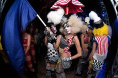 love these clown gals!