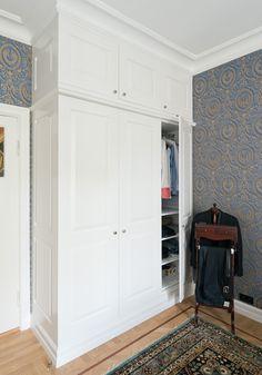 Garderobe høy8402 Armoire, Closet, Furniture, Home Decor, Cloakroom Basin, Clothes Stand, Decoration Home, Room Decor, Reach In Closet
