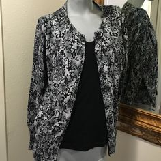 Pasily print button up sweater Great condition Jones New York Sweaters