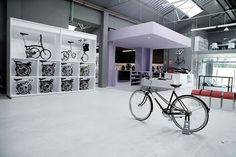 Pave bicycle shop by Joan Sandoval Architect, Barcelona bicycle
