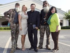 """Si (from left), Alan and Phil Robertson gear up for a fourth season of """"Duck Dynasty"""" in the Duck Commander workshop on June Robertson Family, Duck Dynasty Family, Justin Martin, Miss Kays, West Monroe, Duck Calls, Quack Quack, Duck Commander, Pastor"""