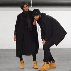 Love Black and Tims! Pic via: by eveianglam Black Love Couples, Dope Couples, Cute Muslim Couples, Muslim Fashion, Modest Fashion, Hijab Fashion, Girl Hijab, Hijab Outfit, Muslim Nikah